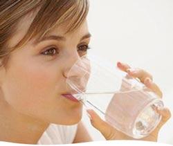 مصرف آب یونیزه قلیایی برای درمان یبوست